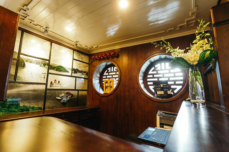 Bhaya Classic cruise cozy and classic decor
